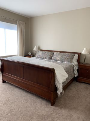 Bedroom set for Sale in Issaquah, WA