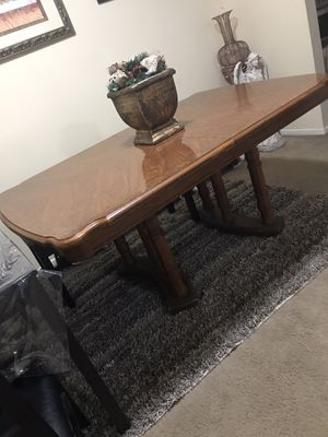 Still available dining table only with free floral centerpiece pick up in Gaithersburg md20877 for Sale in Gaithersburg, MD