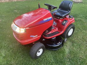 Lawn tractor 18.5 hp for Sale in Roselle, IL