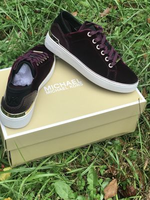Women michael kors sneakers LIMITED EDITION for Sale in Atlanta, GA