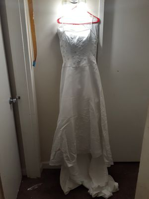 One of a kind Wedding Dress size 10 for Sale in Oxon Hill, MD