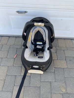 Graco infant car seat and base for Sale in Downey, CA