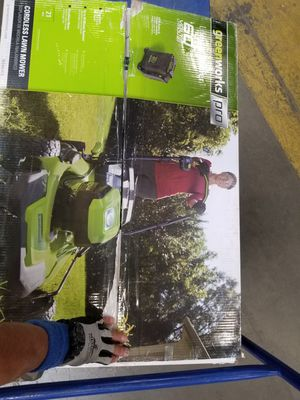 New Never Used GreenWorks Pro Lawn Mower 60 Volt Lithium Battery 21 Inch HD Steel Deck 7 Position Height Adj. Vertical Storage Smart Cut Tech. for Sale in Concord, CA