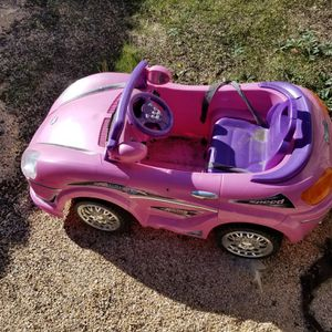 Kid's pink electric car for Sale in Suisun City, CA