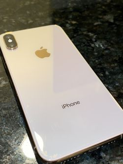 Iphone XS Gold 64 Gb Unlocked for Sale in Crestwood,  IL
