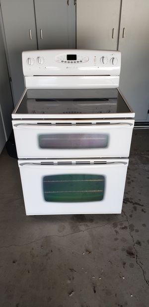 Maytag Dusl Oven Range for Sale in Selma, CA