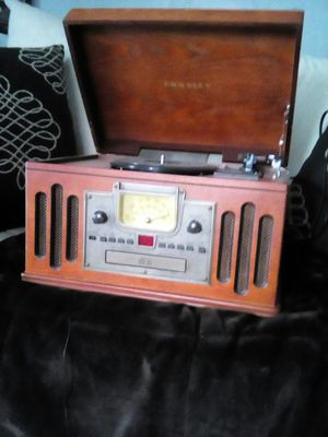 CD and radio and record player for Sale in Butler, PA