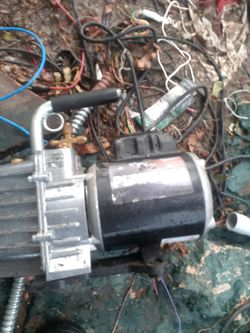 Freon vacuum pump for Sale in Dallas,  TX