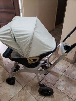 adjustable position baby stroller for Sale in Miami, FL