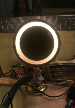 Beauty mirror for Sale in Fresno, CA