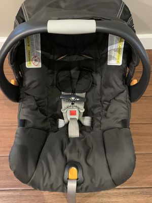 Chicco infant seat with base- excellent condition for Sale in Virginia Beach, VA