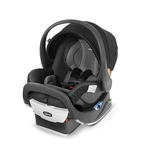 Chico Fit2 Car Seat With Two bases for Sale in Cleveland, OH