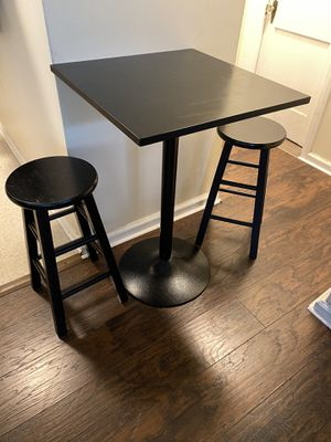 High Table and stools set. for Sale in Detroit, MI