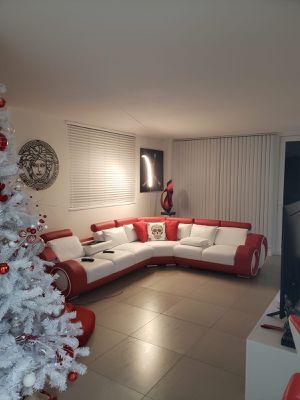 Leather Sofa for Sale in Miami Beach, FL