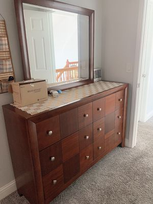 Bedroom set with bed, dresser & nite stand and including mattress in good condition. for Sale in Sacramento, CA