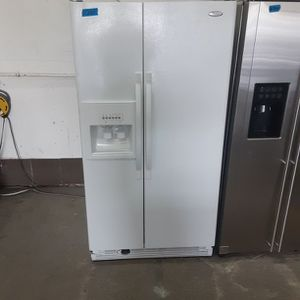 Whirlpool refrigerator for Sale in Modesto, CA