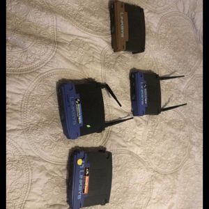 4 Linksys Routers for Sale in Brocton, IL