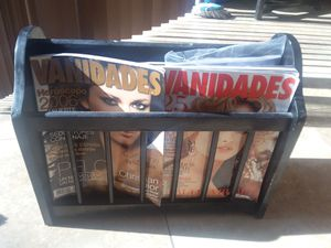 Magazine rack for Sale in Port St. Lucie, FL