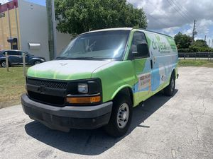 2007 Chevy express 2500 for Sale in Miami, FL