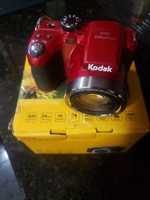 Kodak Pixpro 16 MP 42X optical zoom digital camera for Sale in Providence, RI