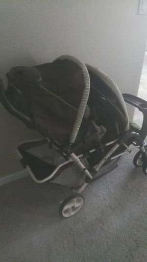 Graco duoglider double stroller for Sale in Charlotte, NC