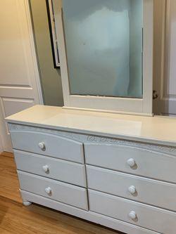 3-piece Twin Bedroom Set for Sale in Fullerton,  CA