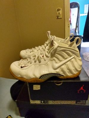 Gucci Foamposite size 9 for Sale in Reading, PA