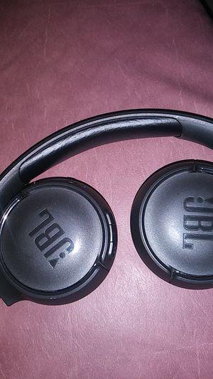Jbl wireless headphones 500bt for Sale in Phoenix, AZ