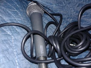 First act mic with cord for Sale in Oxon Hill, MD