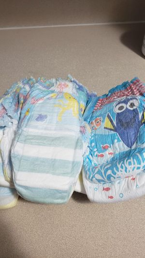 11 huggies/pampers swim diapers size 5+ (2-4 y.o.) for Sale in New Albany, OH