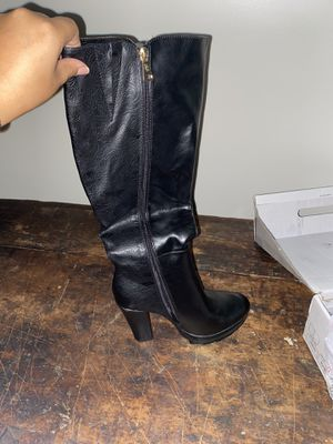 WOMENS BLACK BOOTS for Sale in Costa Mesa, CA