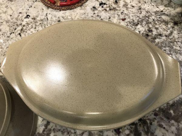 Pyrex large casserole dish