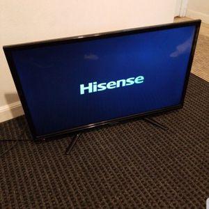 Hisense 32 Inch TV Lcd for Sale in San Bernardino, CA