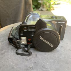 Olympus Infinity Superzoom 300 35mm Film Camera, SLR 38 to 105mm, AF Zoom Lens for Sale in Dayton,  OH