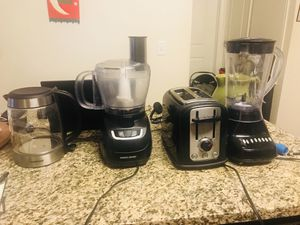 Kitchen appliances ( coffee maker, mixer and grinder, juicer, toaster) for Sale in Bayonne, NJ