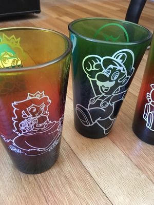 Rare Mario pint glasses 5 total! for Sale in Akron, OH