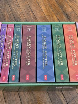 Harry Potter Book Collection for Sale in Ravenna,  OH