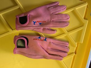 Snorkel gloves s-m size for Sale in San Francisco, CA
