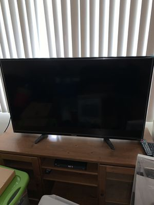 """Toshiba 46"""" HD LED TV for Sale in Bell Gardens, CA"""