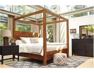 Ashley Furniture King size Four Poster Canopy Bed Frame for Sale in Berlin, NJ