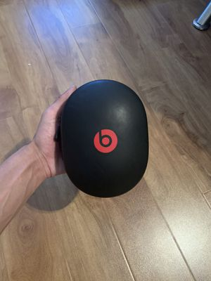 Beats studio 3 noise canceling for Sale in Las Vegas, NV