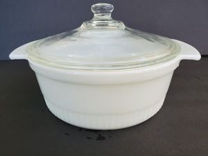 Fireking 2 Quart Ribbed with Lid for Sale in Midland, MI