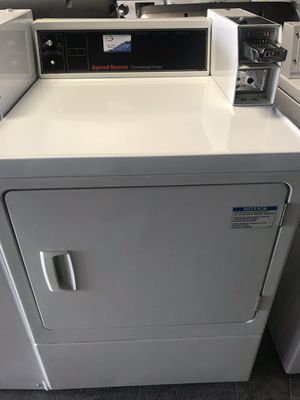 COIN GAS DRYER MACHINE for Sale in Miami Springs, FL