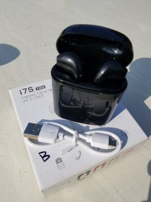 Black wireless bluetooth earbuds new for Sale in San Jose, CA