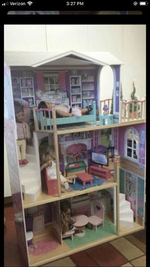 Big Doll House with one doll for Sale in Lakewood, CA
