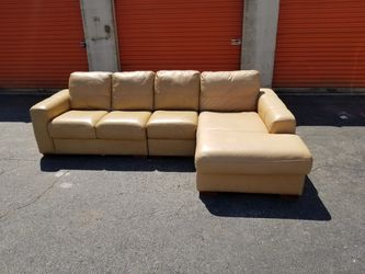 3pc Chateaux D'Ax Sofas Italian Leather Sectional for Sale in Duluth, GA
