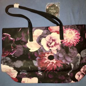 **NEW *** Fun Flower Print Tote Bag/Purse for Sale in Cleveland, OH