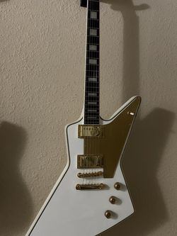 Lzzy Hale Epiphone Explorer for Sale in Puyallup,  WA