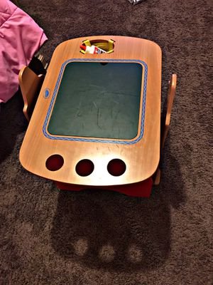 Crayola Kids Desk - Significantly dropped price to make room for Sale in Aubrey, TX