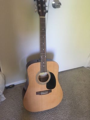 Acústic guitar squier by tender new string for Sale in Lake Forest, CA